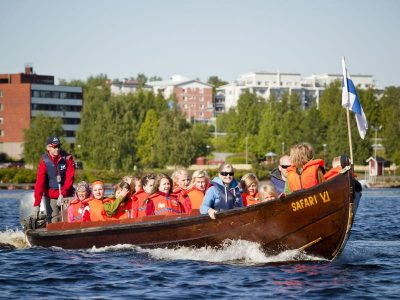 Riverboat cruise in Rovaniemi